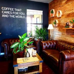 Mi Mundo Coffee Roaster lobby